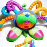 Rozwój dziecka – czyli o dobieraniu zabawek do jego wieku